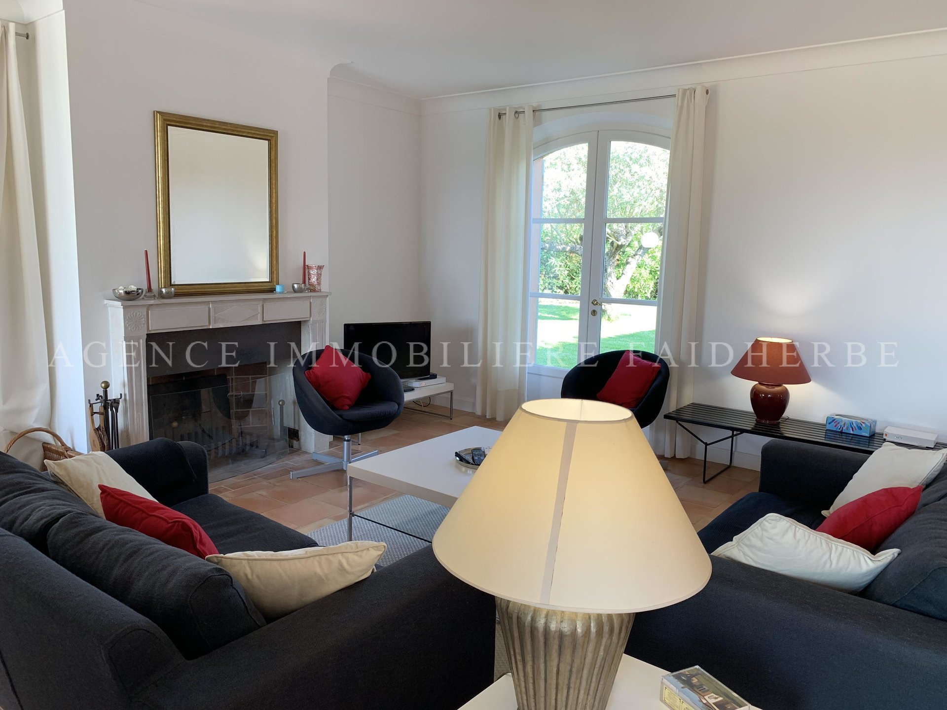 Area : Canoubiers, villa with pool with