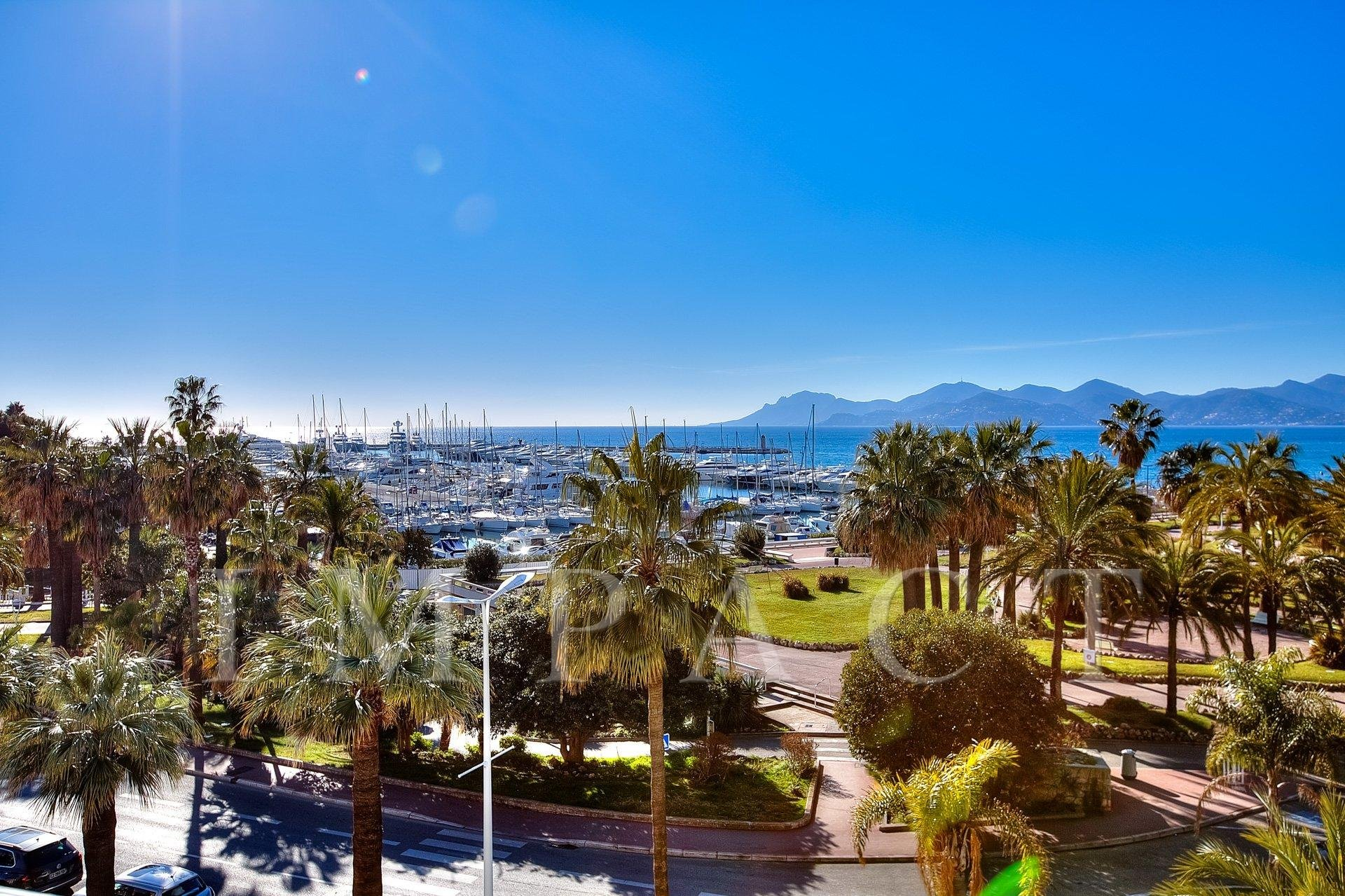 3 Bedrooms apartment to rent in Cannes Croisette, Cannes