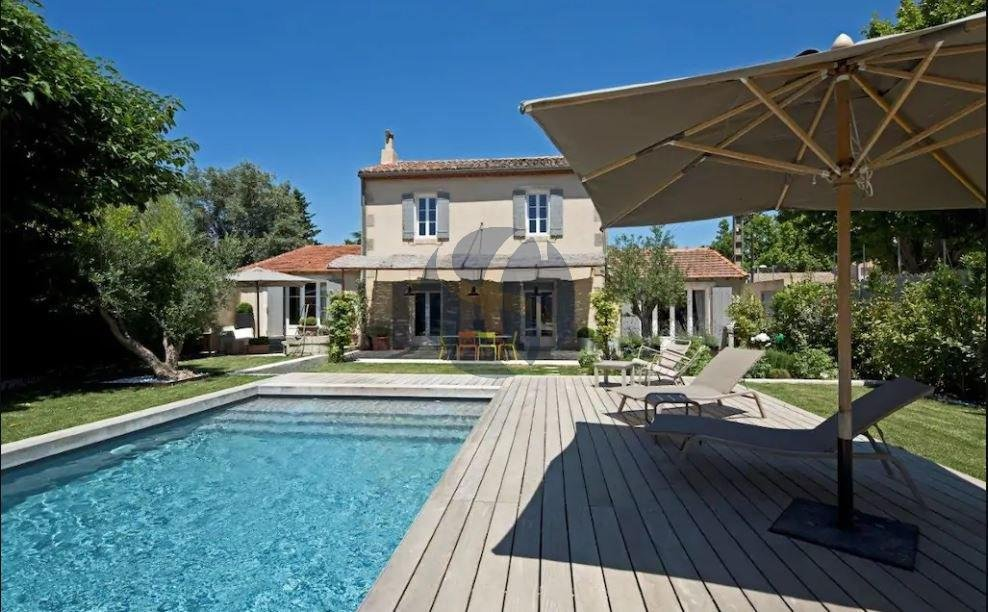 Villa to rent close to St Rémy de Provence