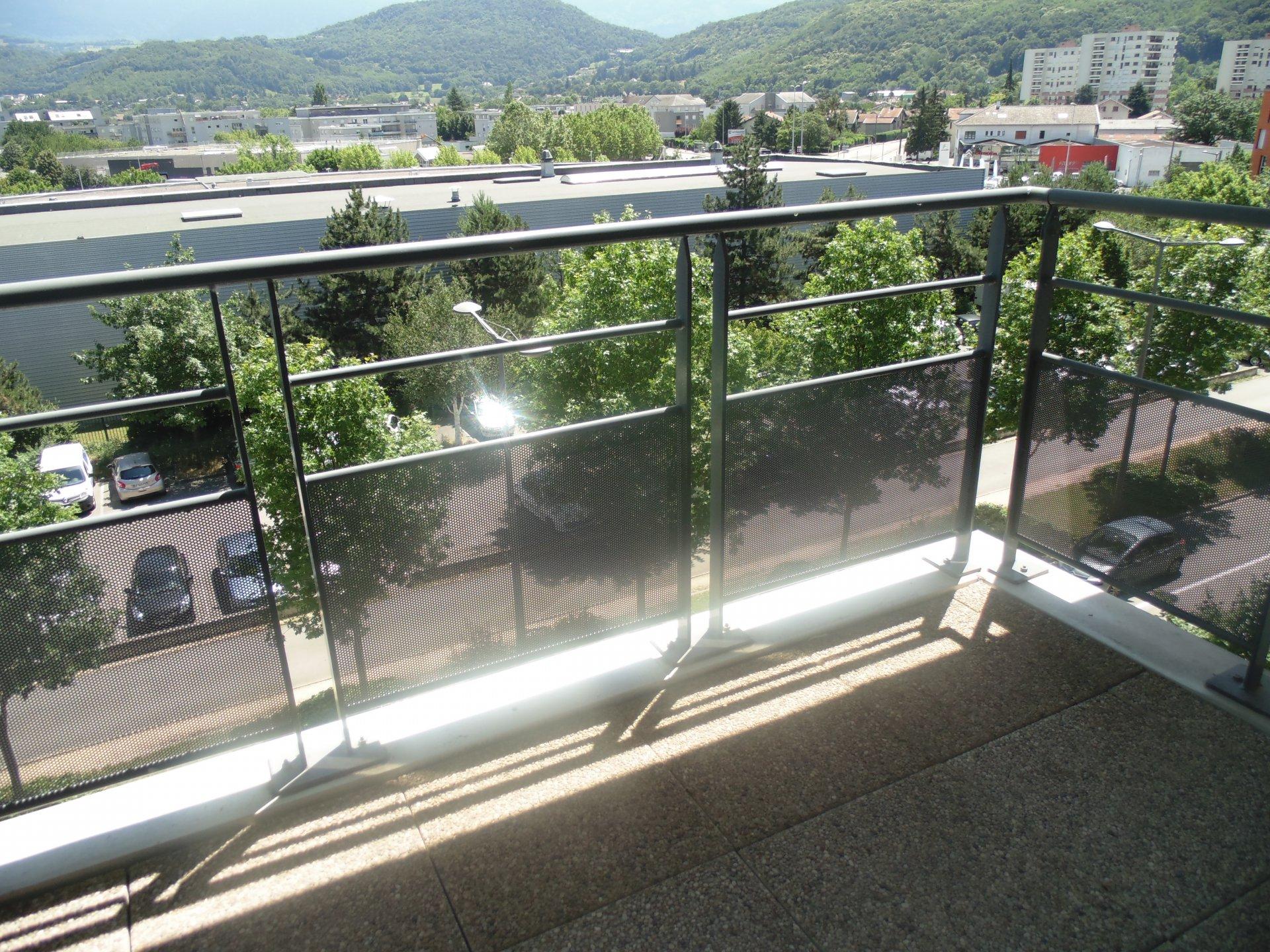 T5  + garage, terrasse,  Echirolles  -