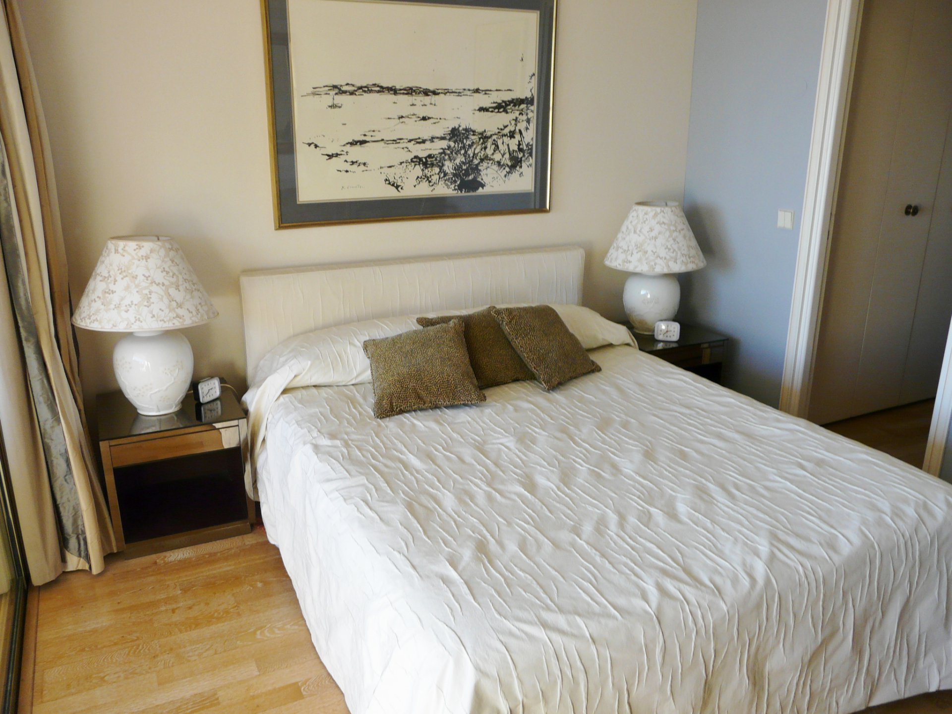 BEAUTIFUL TWO BEDROOMS' FURNISHED APARTMENT