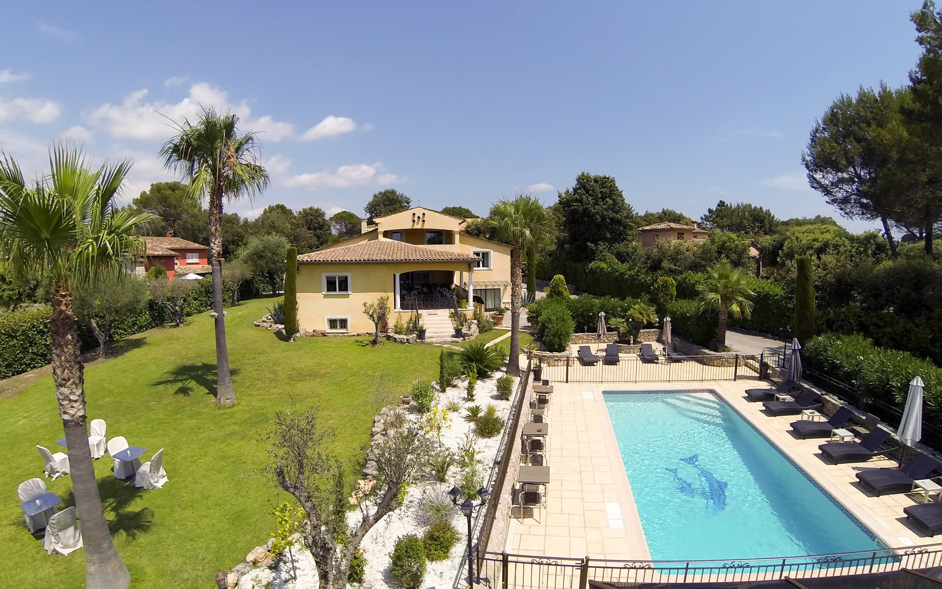7 bedrooms family villa with pool and view