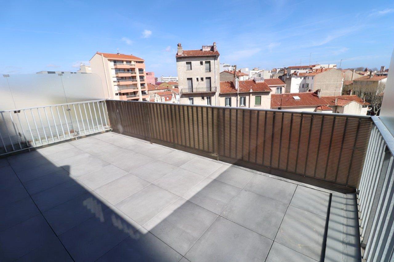 Perpignan quartier Clémenceau superbe duplex avec terrasses et parking sécurisé