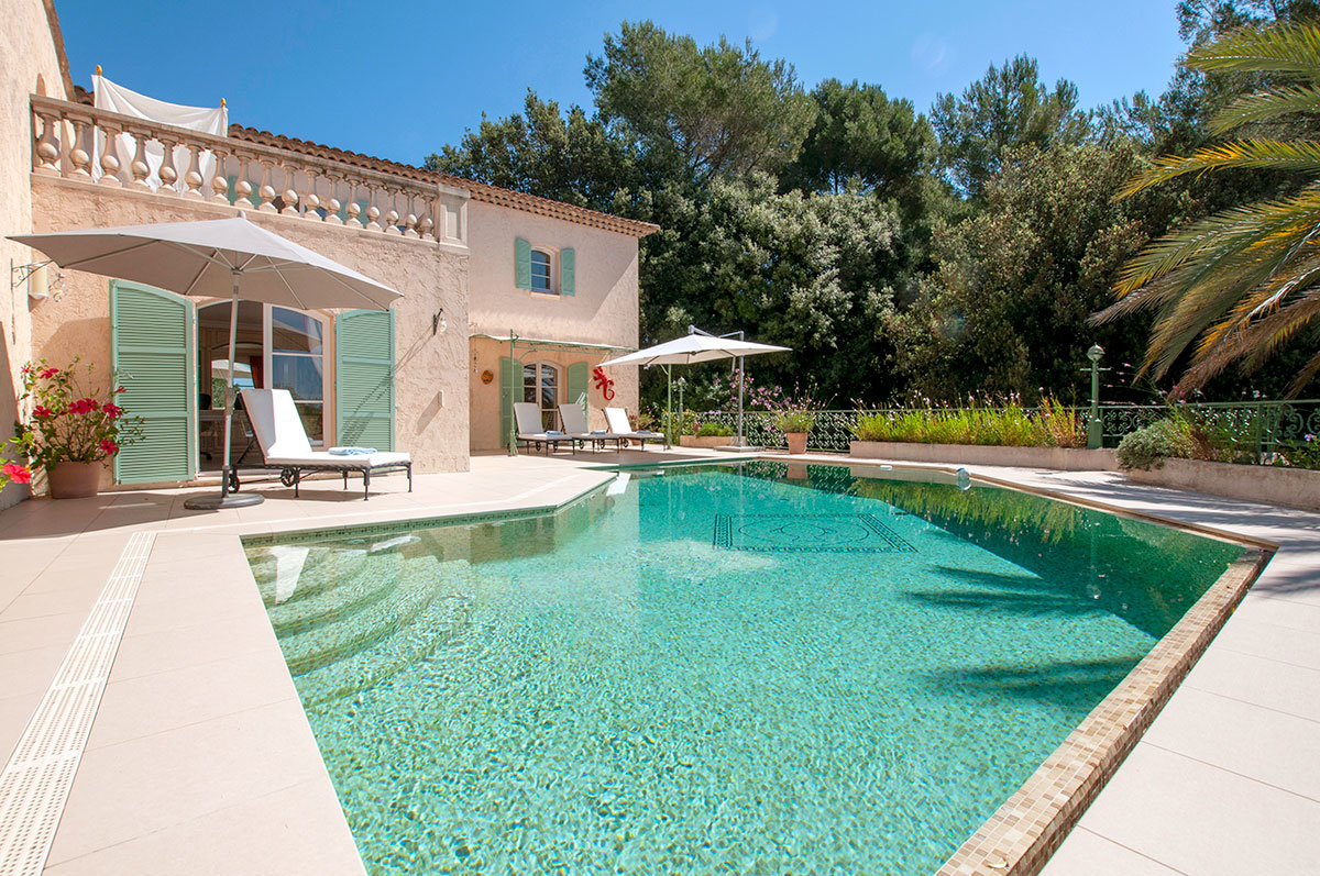 For Sale - Renovated 8 bedroom family home within easy access to Valbonne