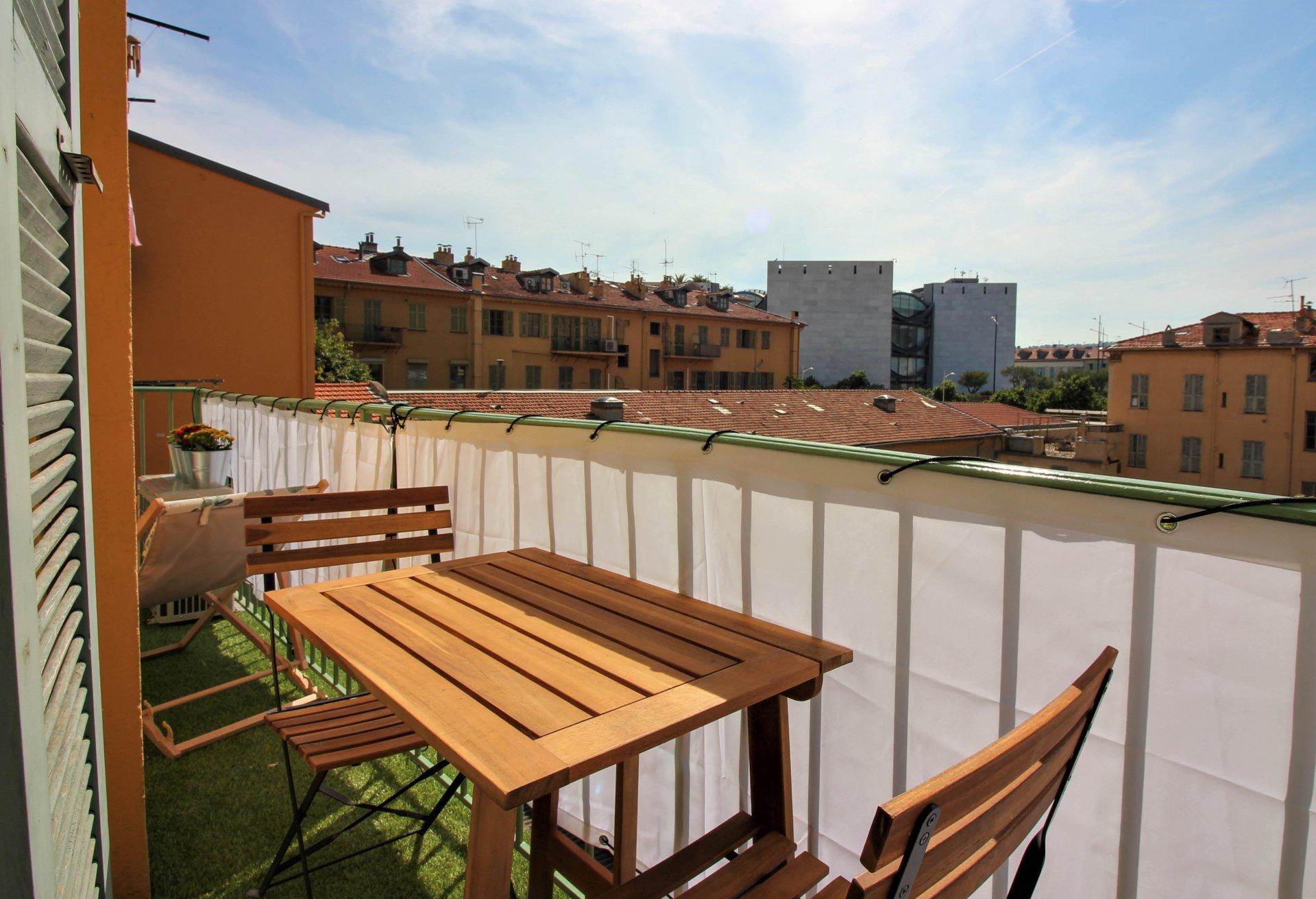 FÖRSÄLJNING Lägenhet 2 Rum Nice Garibaldi Balkong Högt Upp