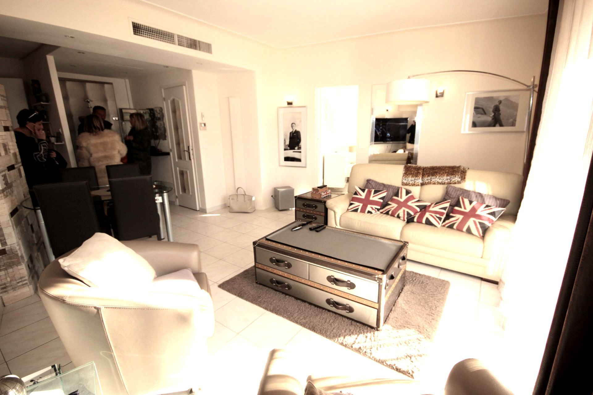 SELL 3 ROOMS CLOSE TO CROISETTE'S BEACHES