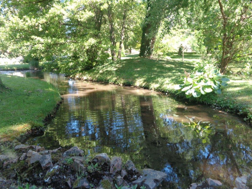 vIENNE CHATEAU XIXè  dans un magnifique parc à 40' de Lyon