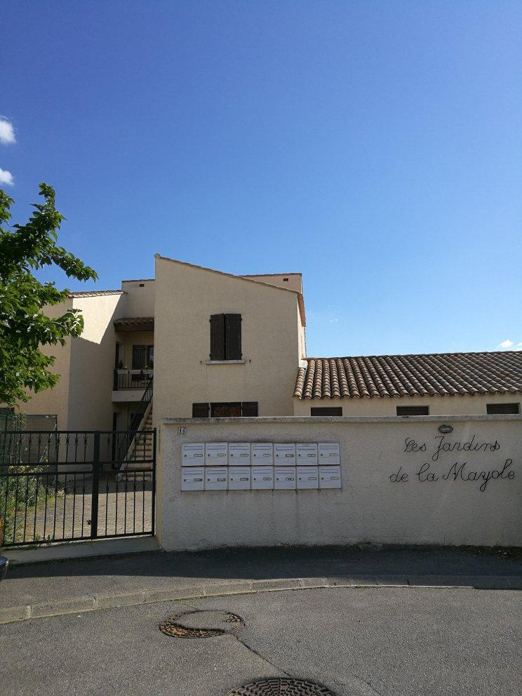 Studio RDC + jardinet + parking