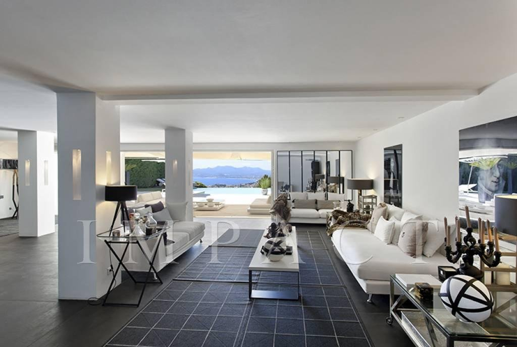Contemporary villa pool and sea view Cannes for rent