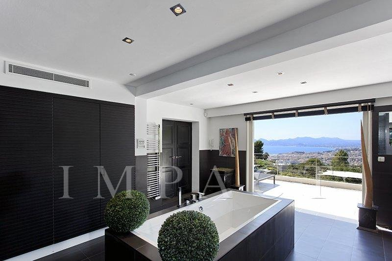 CONTEMPORARY VILLA IN CANNES TO RENT