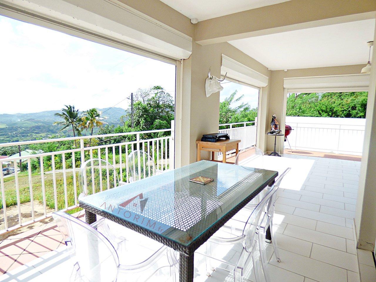 Belle Villa T4 avec Vue Mer Panoramique - Piscine