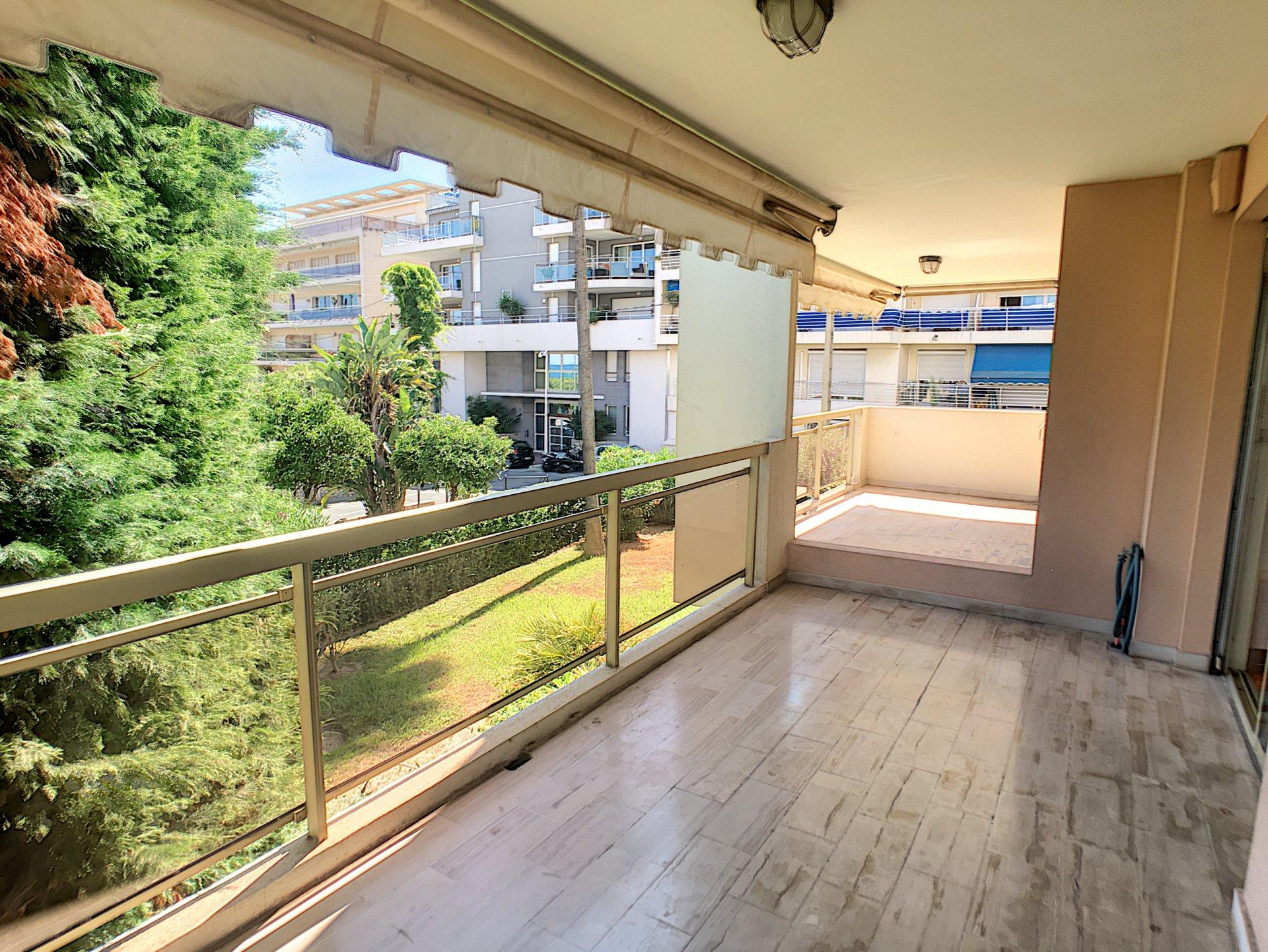 Exclusivité-Palm Beach-2 P 61 m² avec profonde terrasse