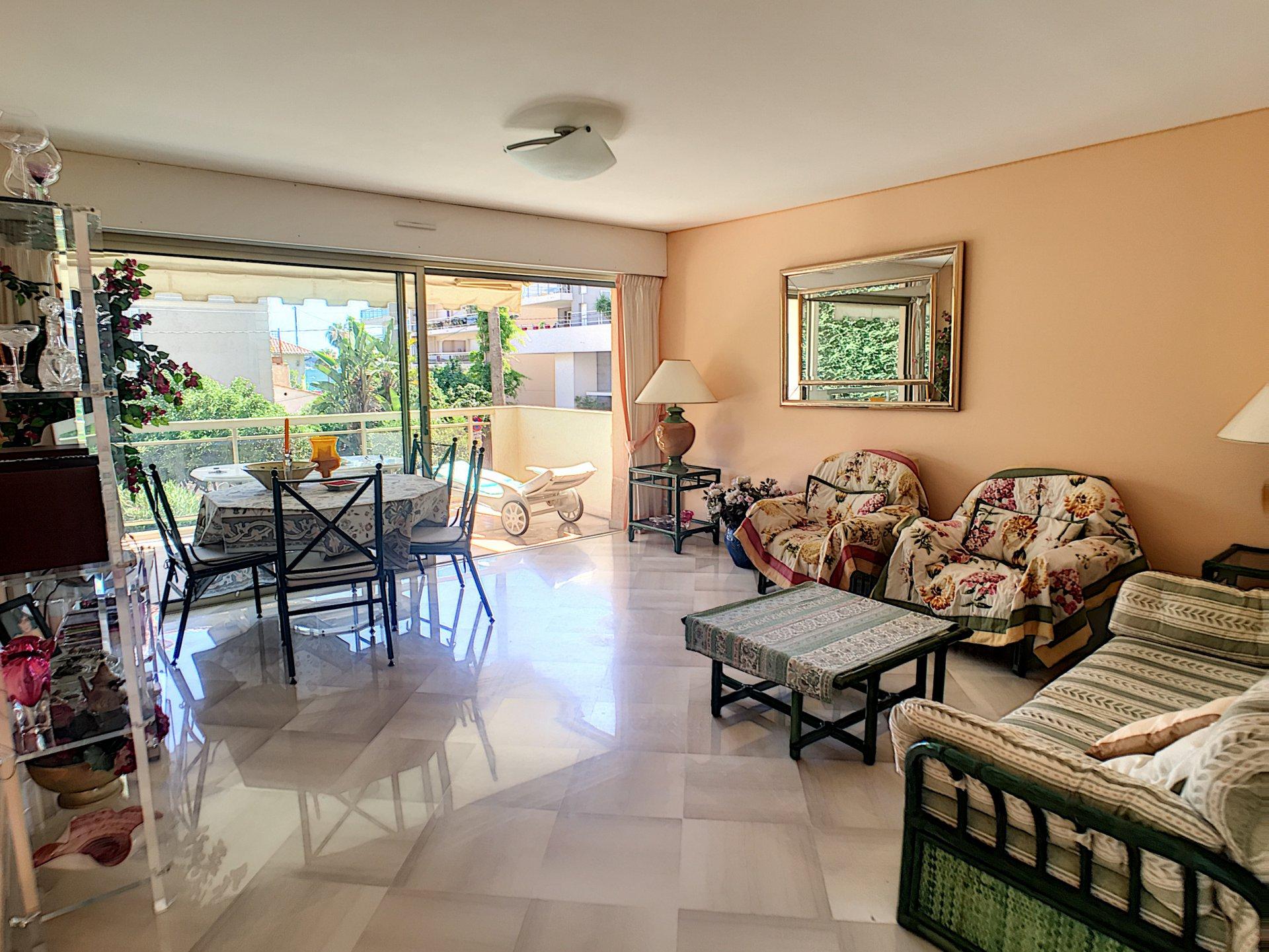 Sole Agent-Palm beach-2 rooms 61 sqm terrace