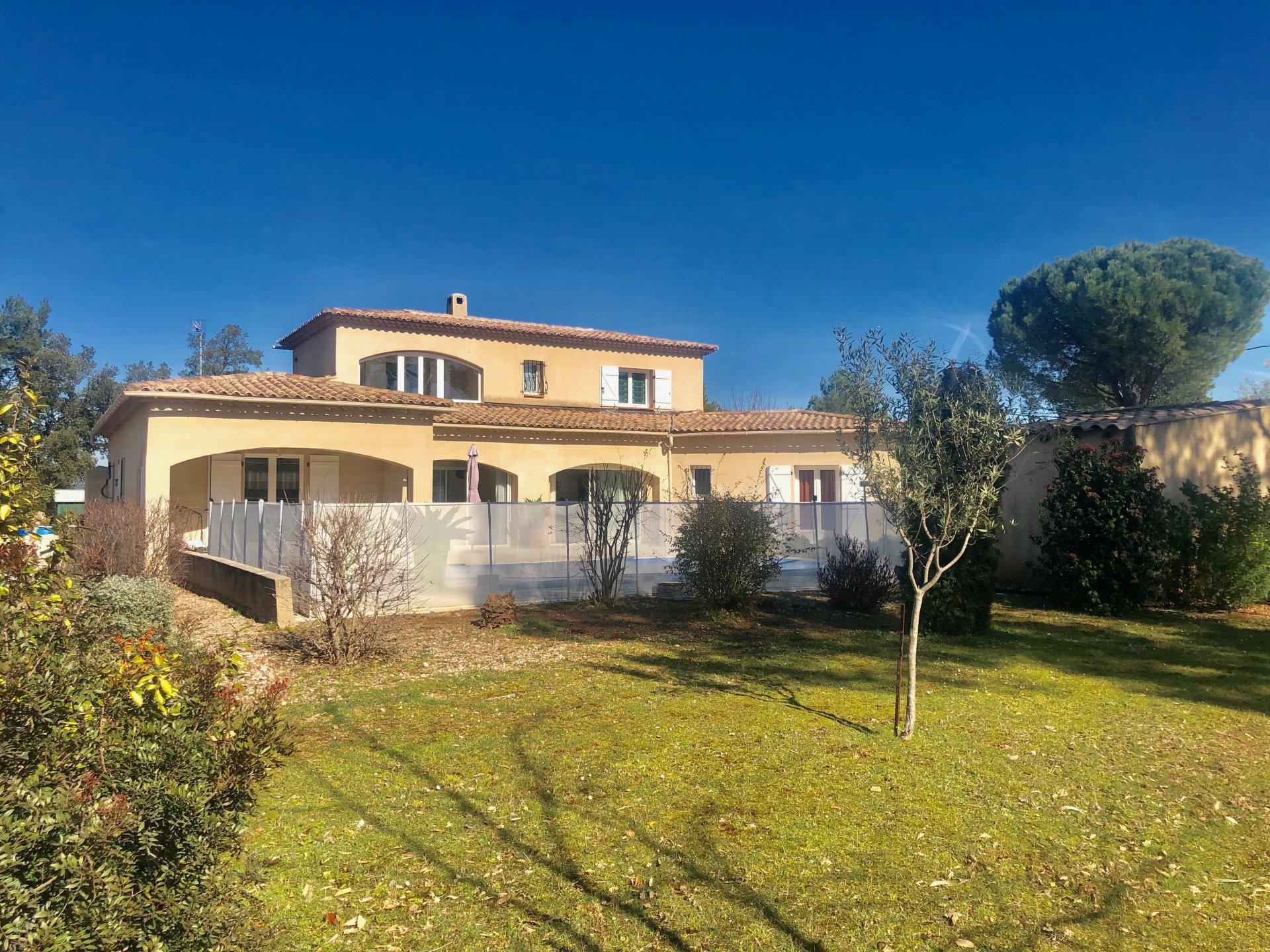 Magnifique Villa type 4/5 de 220m2  sur 2176 m2 de terrain
