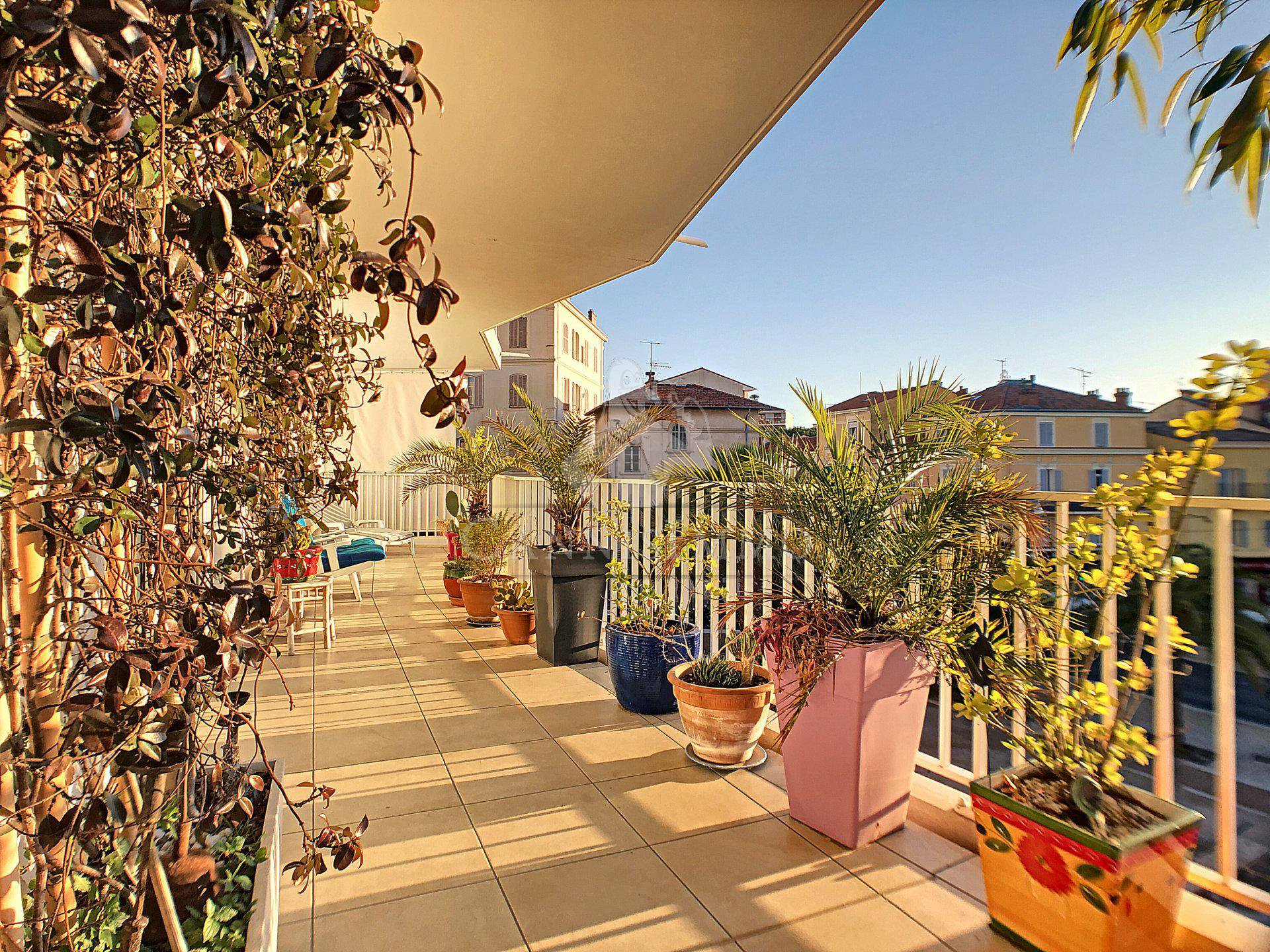 APPARTEMENT CANNES 4P CENTRE-VILLE