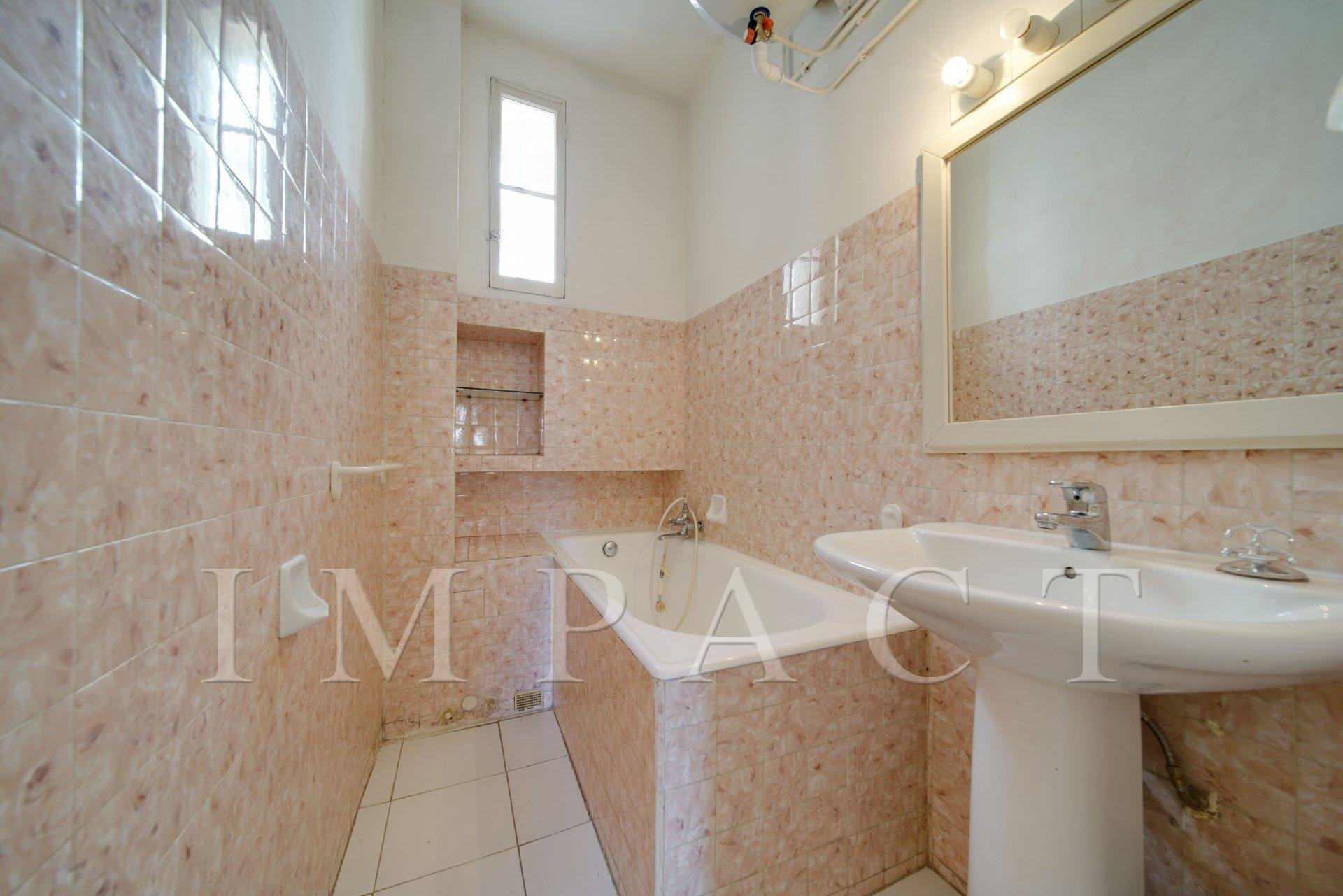 Apartment for sale CANNES - Charming garden floor Palm Beach