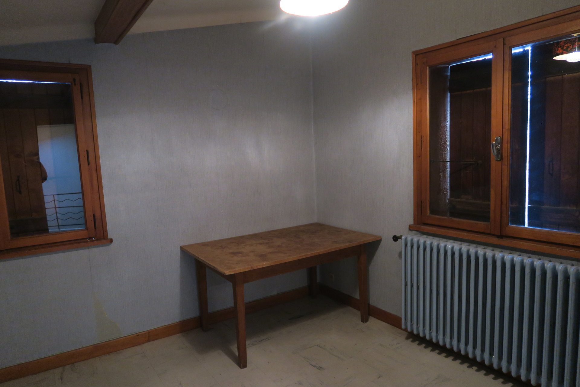 CENTRE COMBLOUX APPARTEMENT A RENOVER