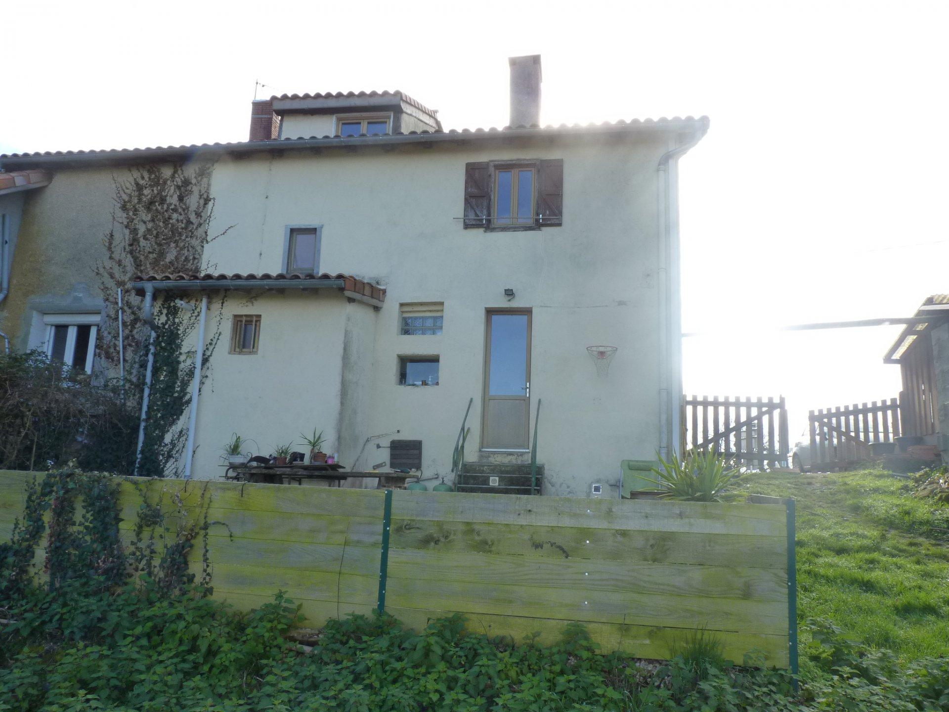 Proche de Castéra Vignoles, Commingeoise rénovée sur près de 2 hectares de terres