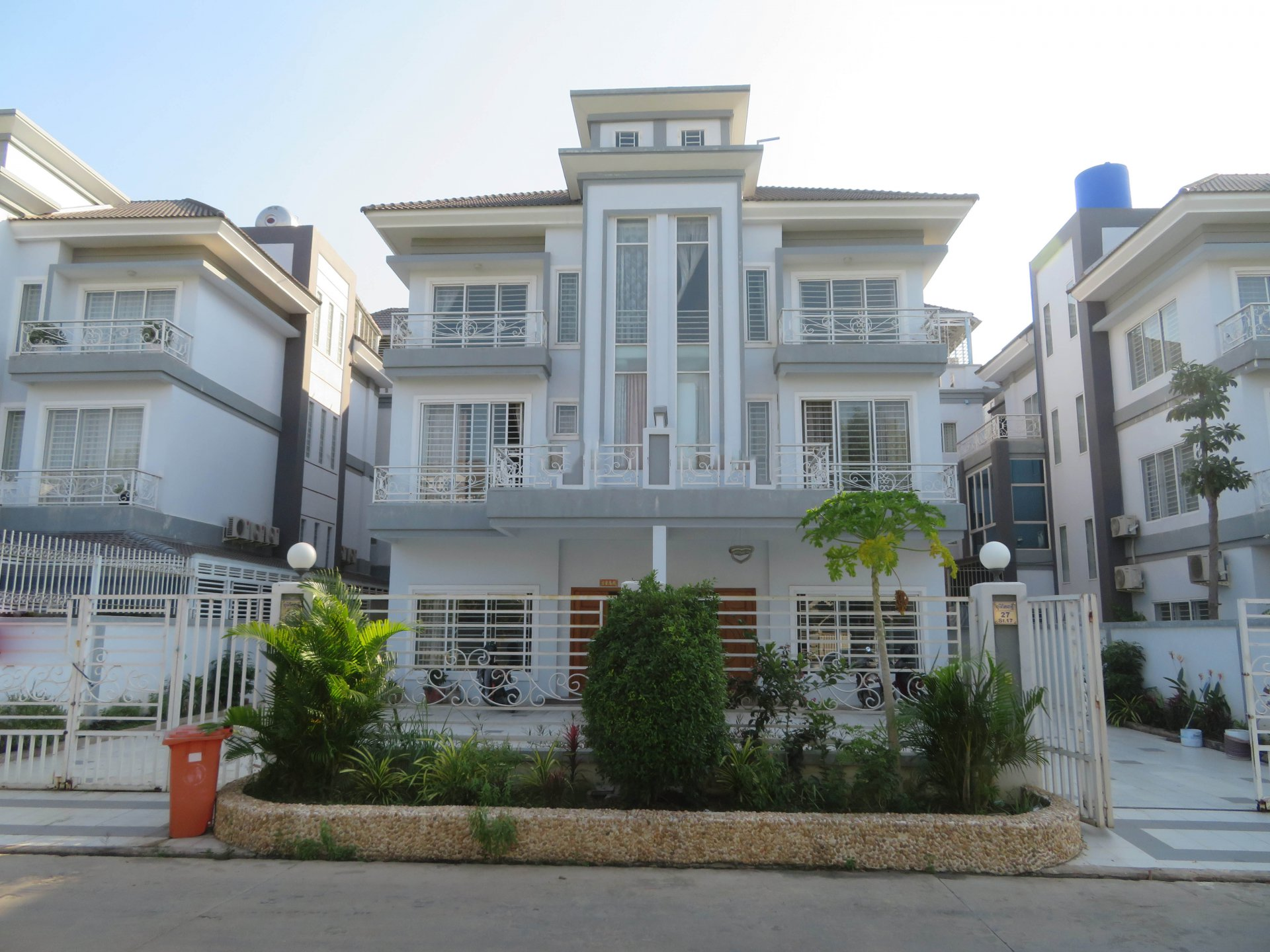 Sale Twin Villa Sen Sok