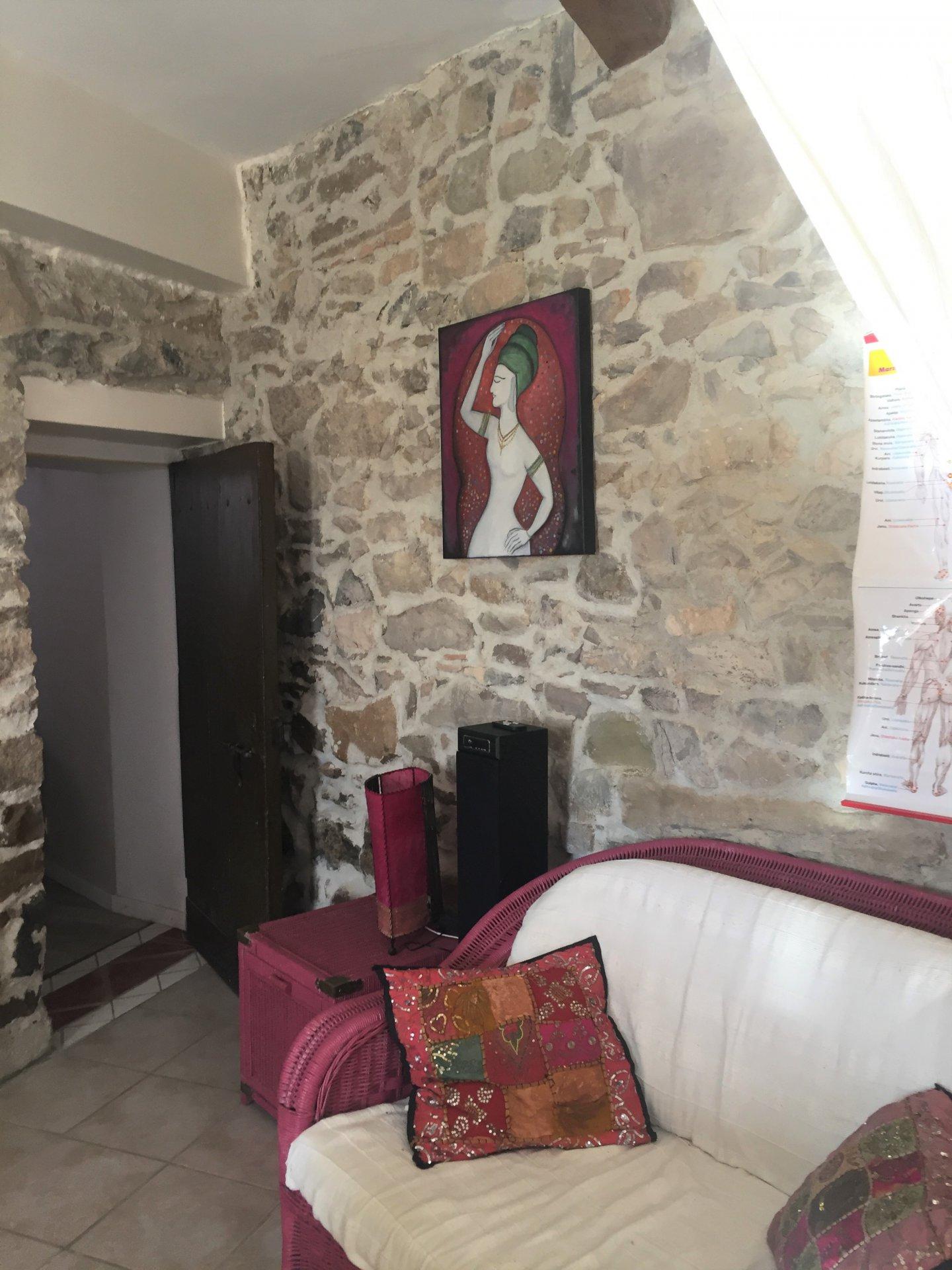 Demeure en pierres avec dépendances à 15 minutes de Narbonne