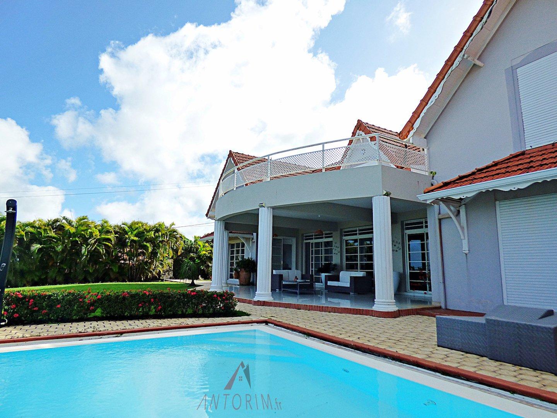 Magnifique villa T6 sur 3 000m2 de terrain - Piscine - Vue Mer Panoramique