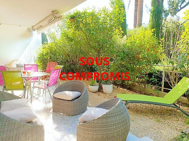 CANNES Sale Apartment 3 rooms in garden ground