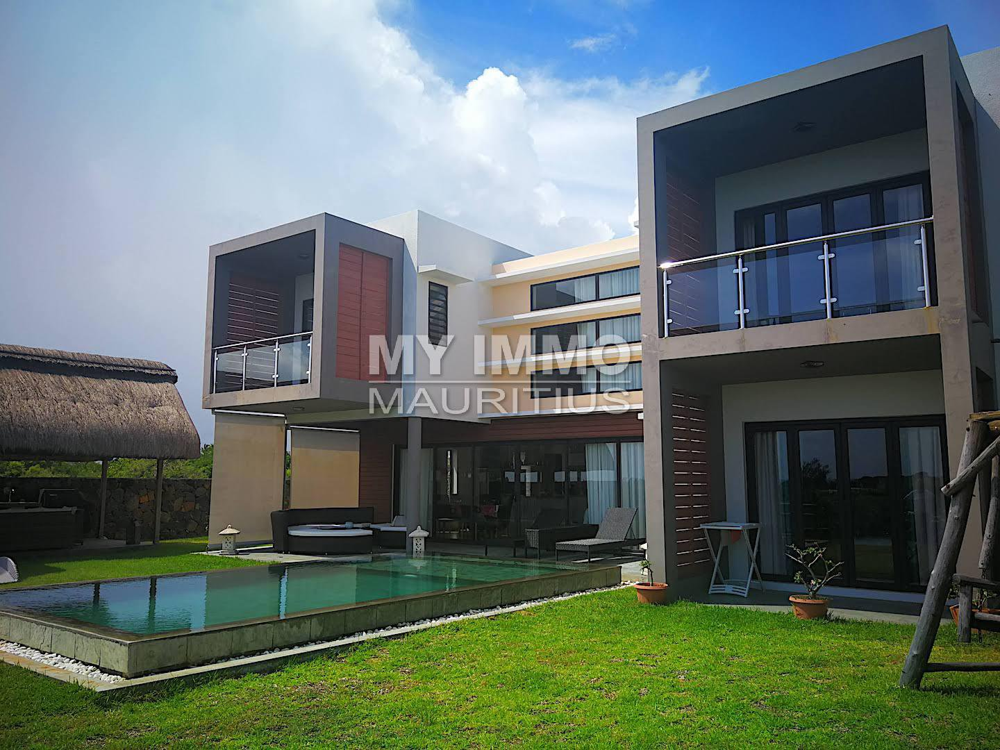 High standing villa with sea view !