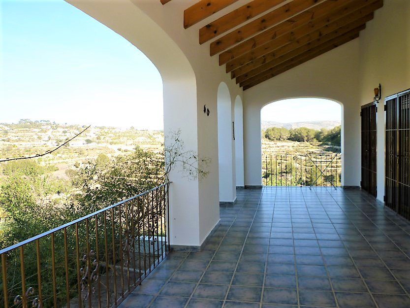 Finca on a large plot in the valley of Benissa