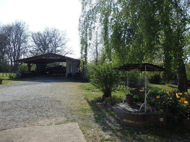 Renovated House with Gîte on 3.5Ha with stables and Magical Lake.