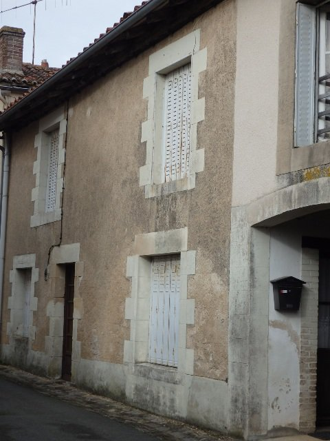 Village house for renovation in Plaisance in the Vienne