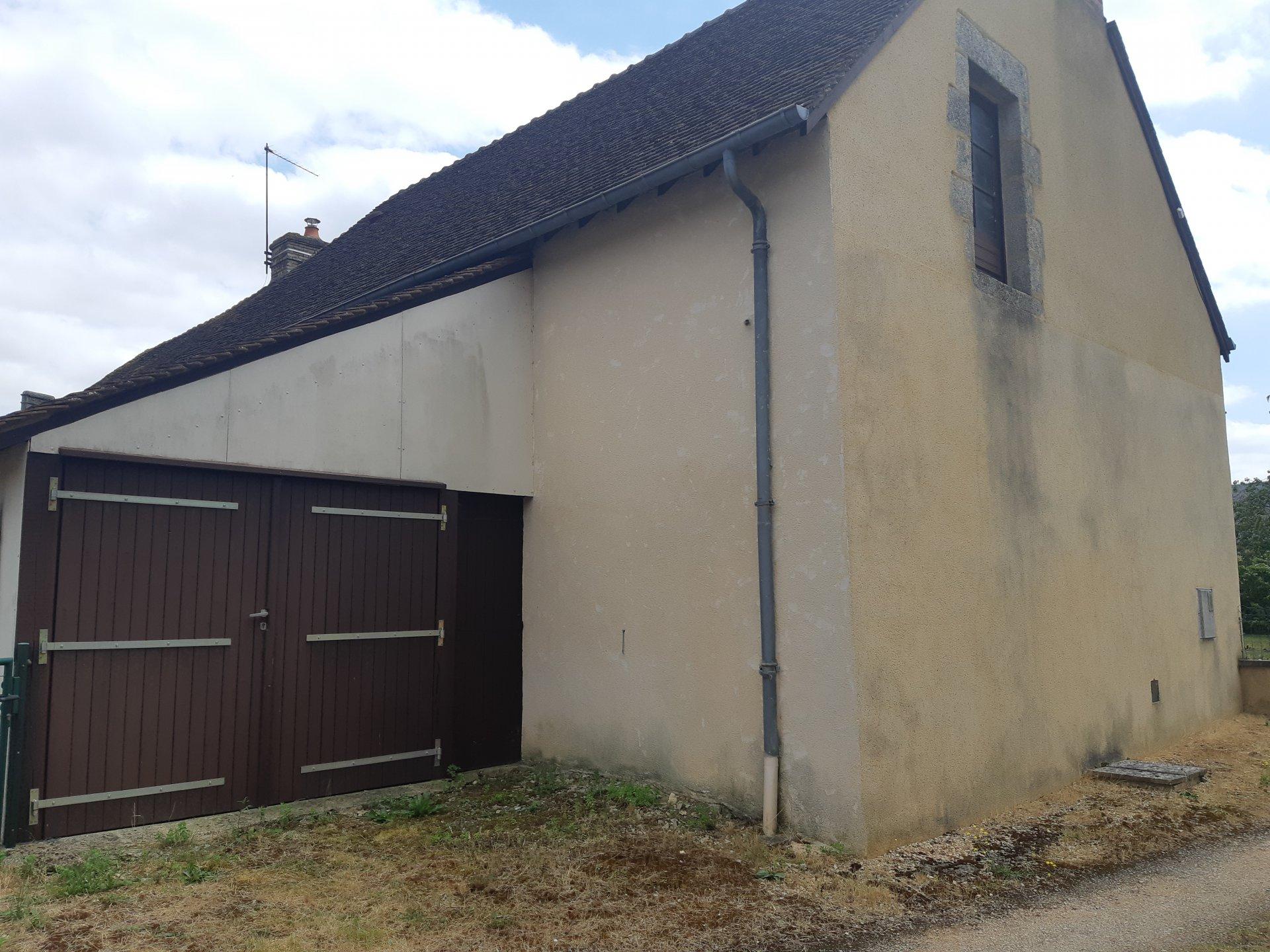 Maison de village Oisseau-Le-Petit proche commerce