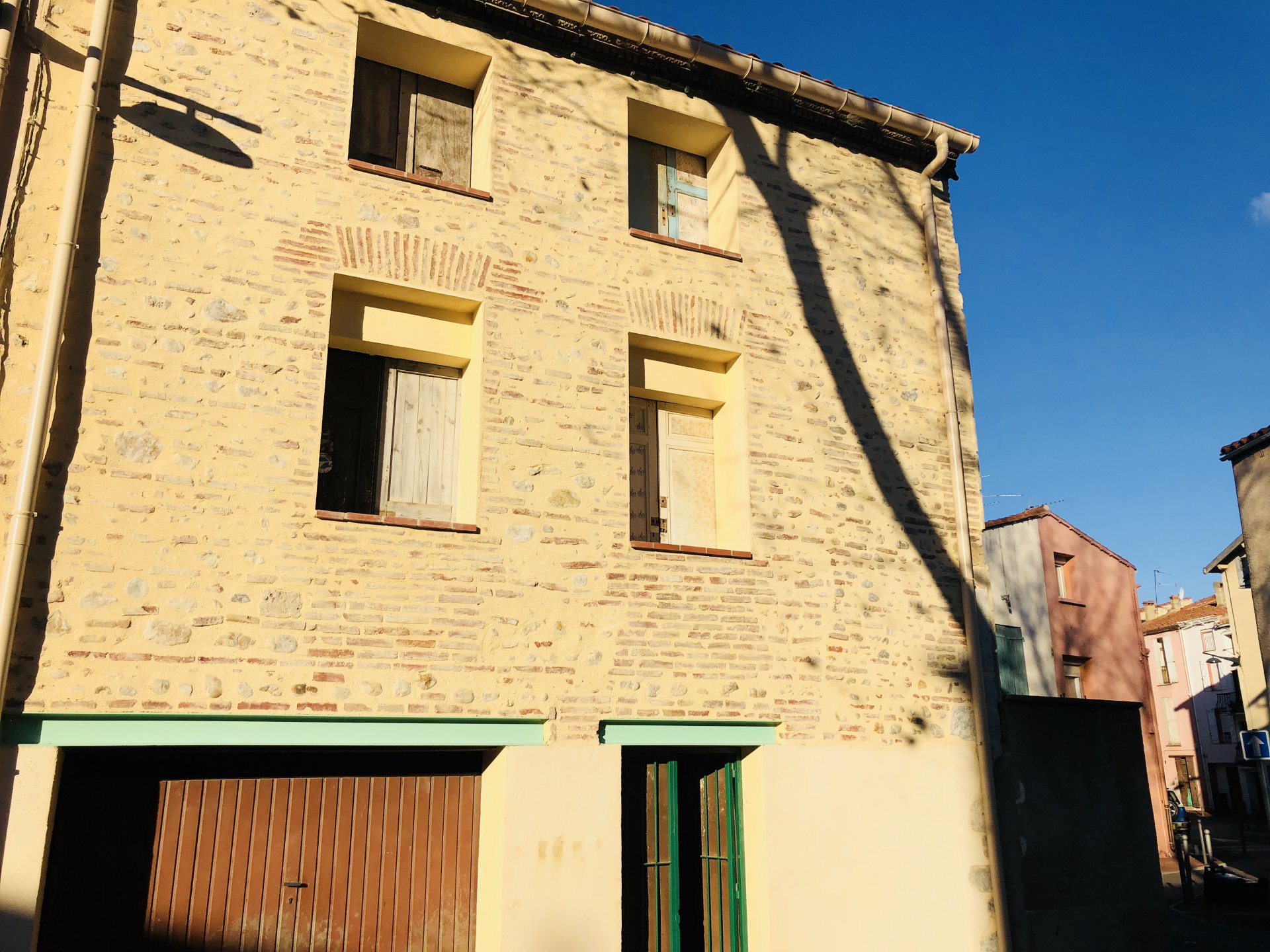 BOMPAS maison de village 2 faces garage