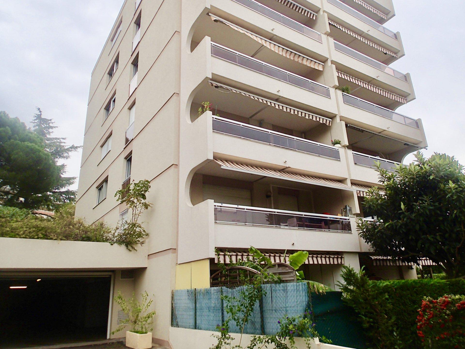 Vendita Appartamento - Nizza (Nice) Corniche Fleurie