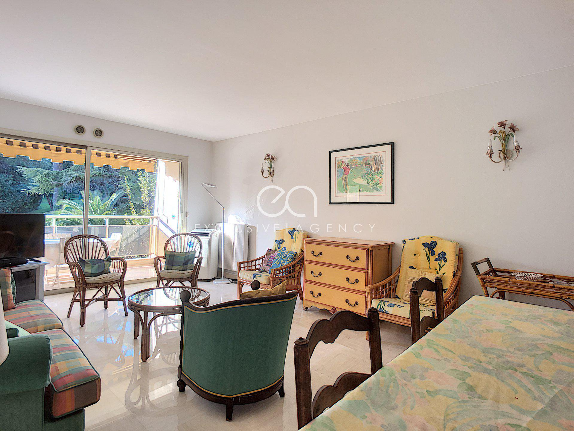 SOLE AGENT FOR SALE Cannes 3 rooms 91sqm with terrace cellar and garage