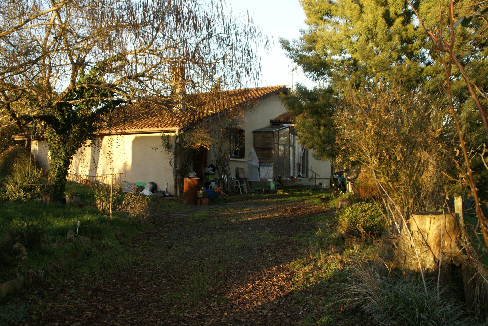 Belle maison à rafraîchir avec possibilités dans le Gers, Midi-Pyrénées.