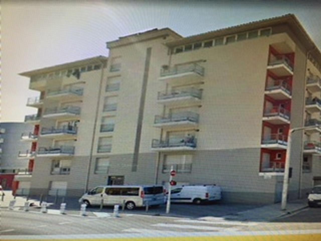 St jean d'angély :  résidence 2013 , 2 Pièce(s) 37 m²  , balcon ,