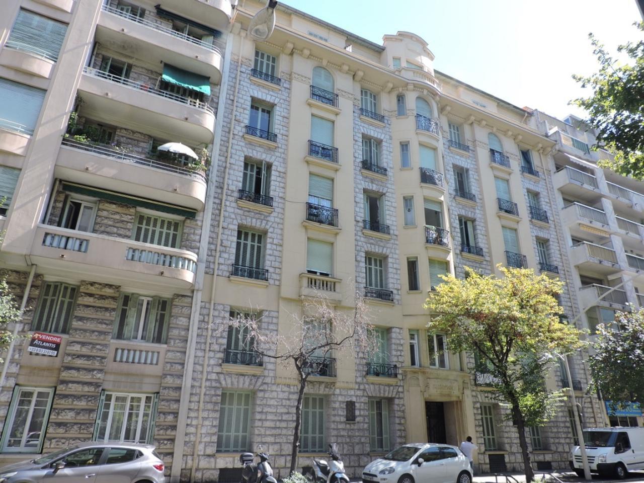 PARC IMPERIAL/GROSSO, 2 pièces en étage élevé, bel Art Deco