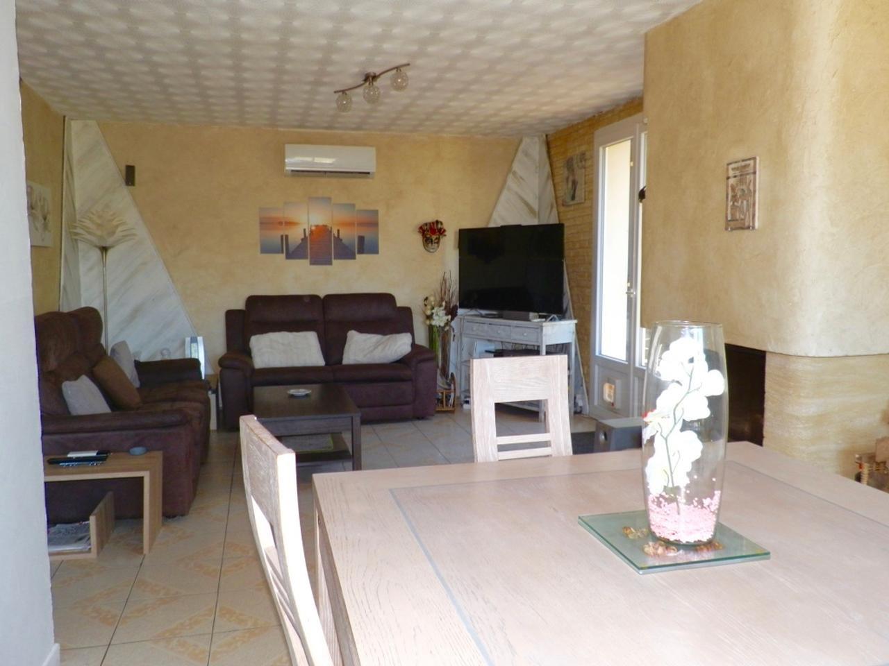 Village proche de NICE, maison de 184m2, 2 appartements