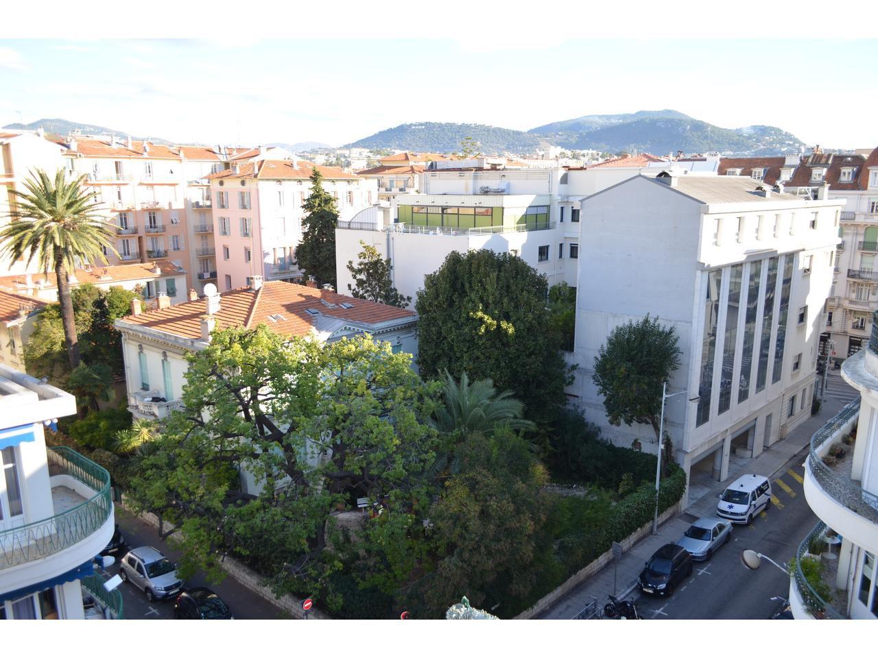 Musiciens / square Mozart : dernier étage , 3 p 85 m2 , terrasses 84 m2