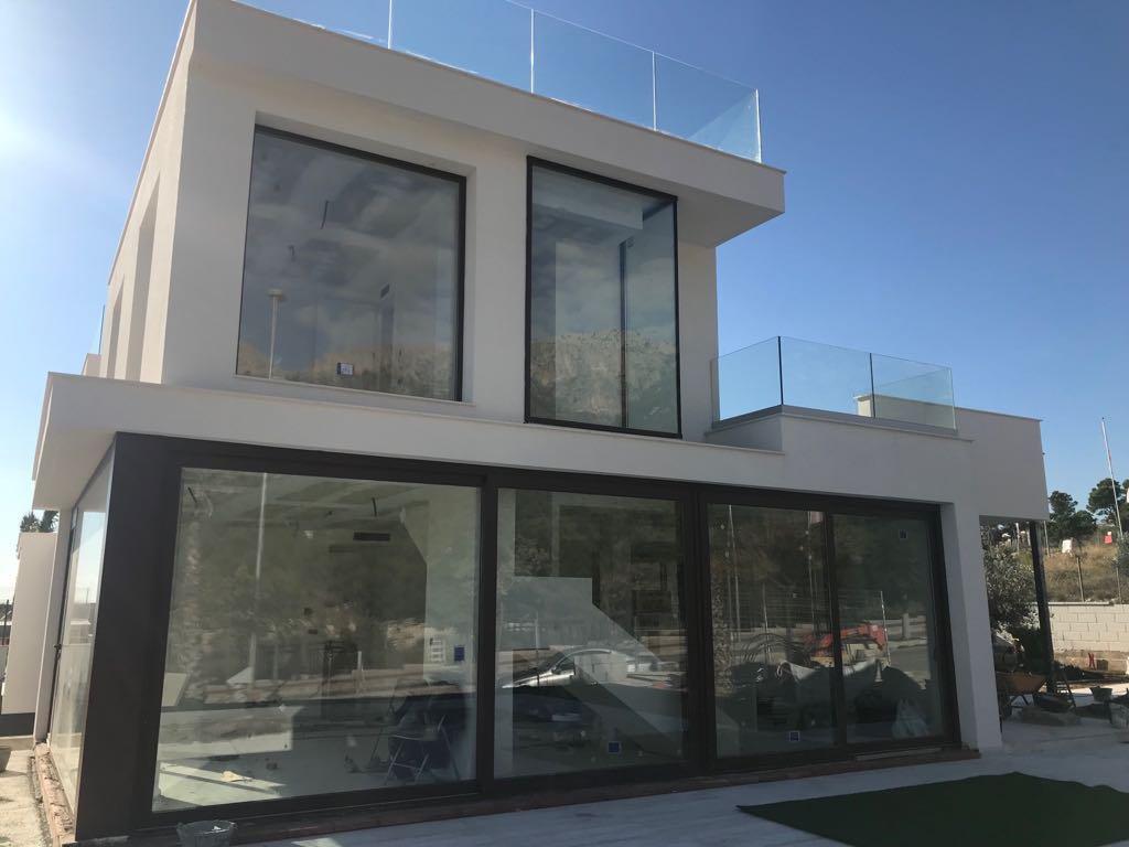 Modern style semi detached villa in Polop