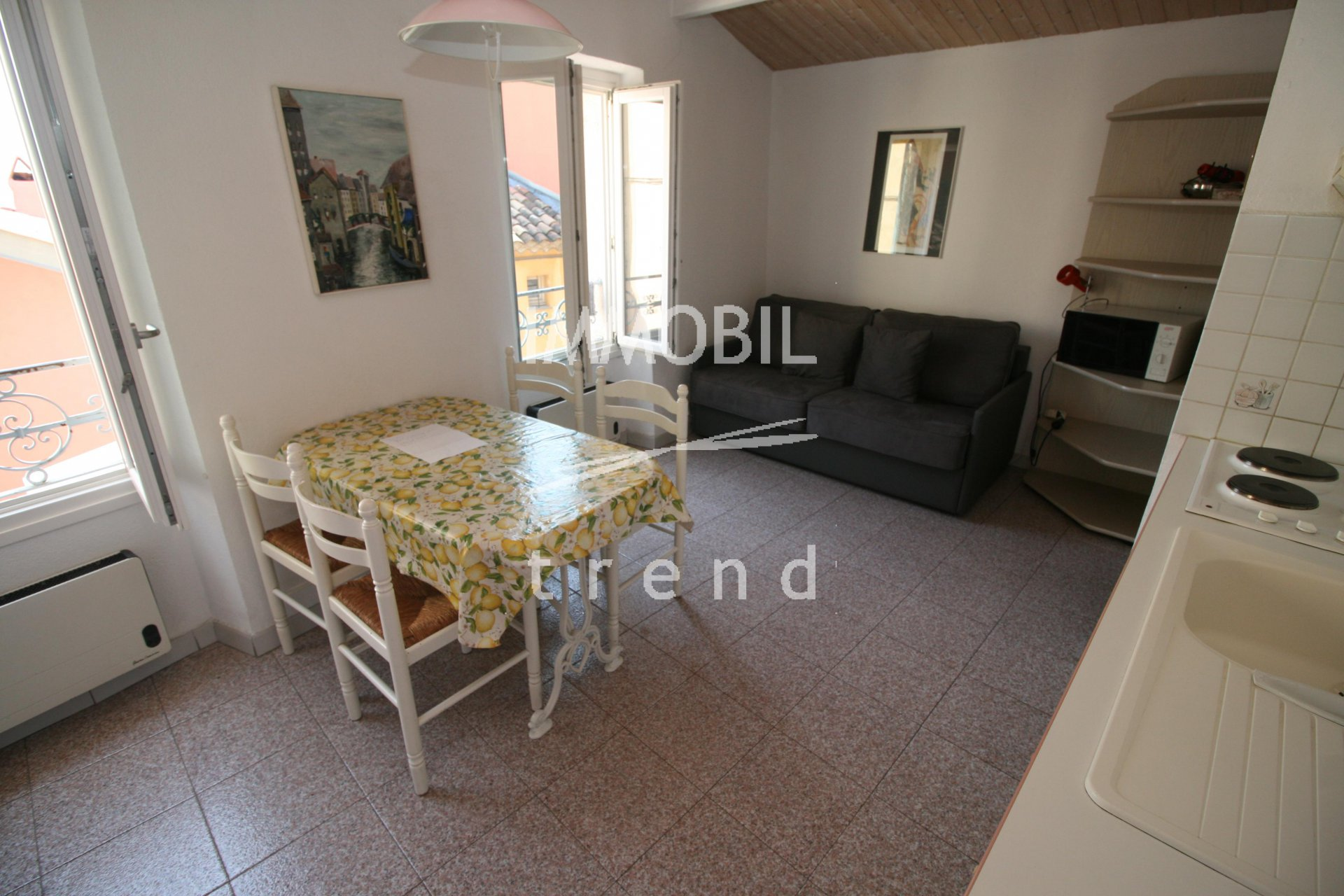 SOLE AGENT - MENTON OLD TOWN- duplex apartment for sale in a typical mentonese house.