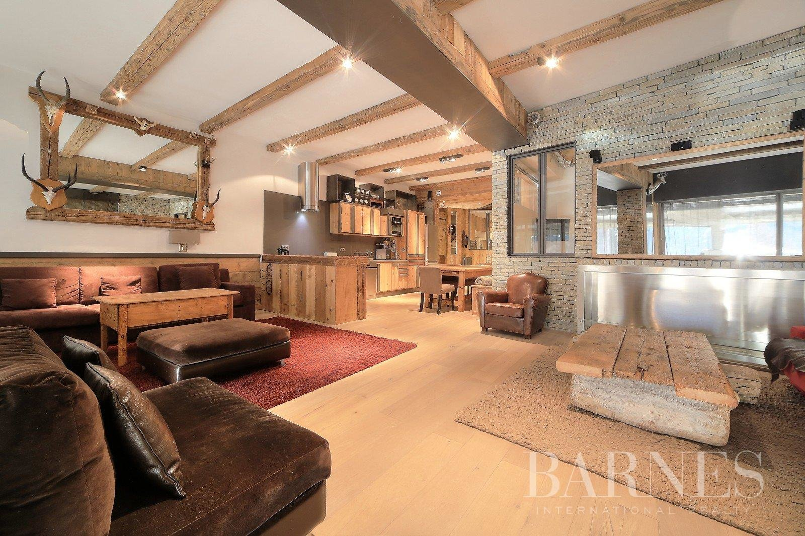 3 bedrooms Loft-style apartment, near the Jaillet's ski slopes Chalet in Megeve