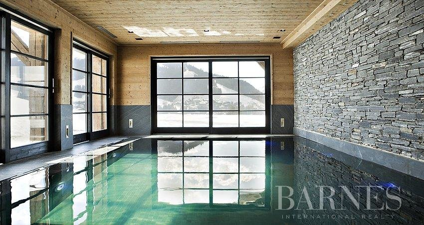 Photo of 750 sq.m Chalet close to the Golf course