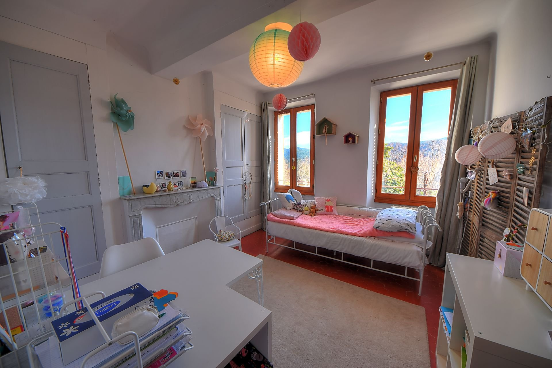 Pretty village house 3 bedrooms, garage and garden, Bargemon, Var