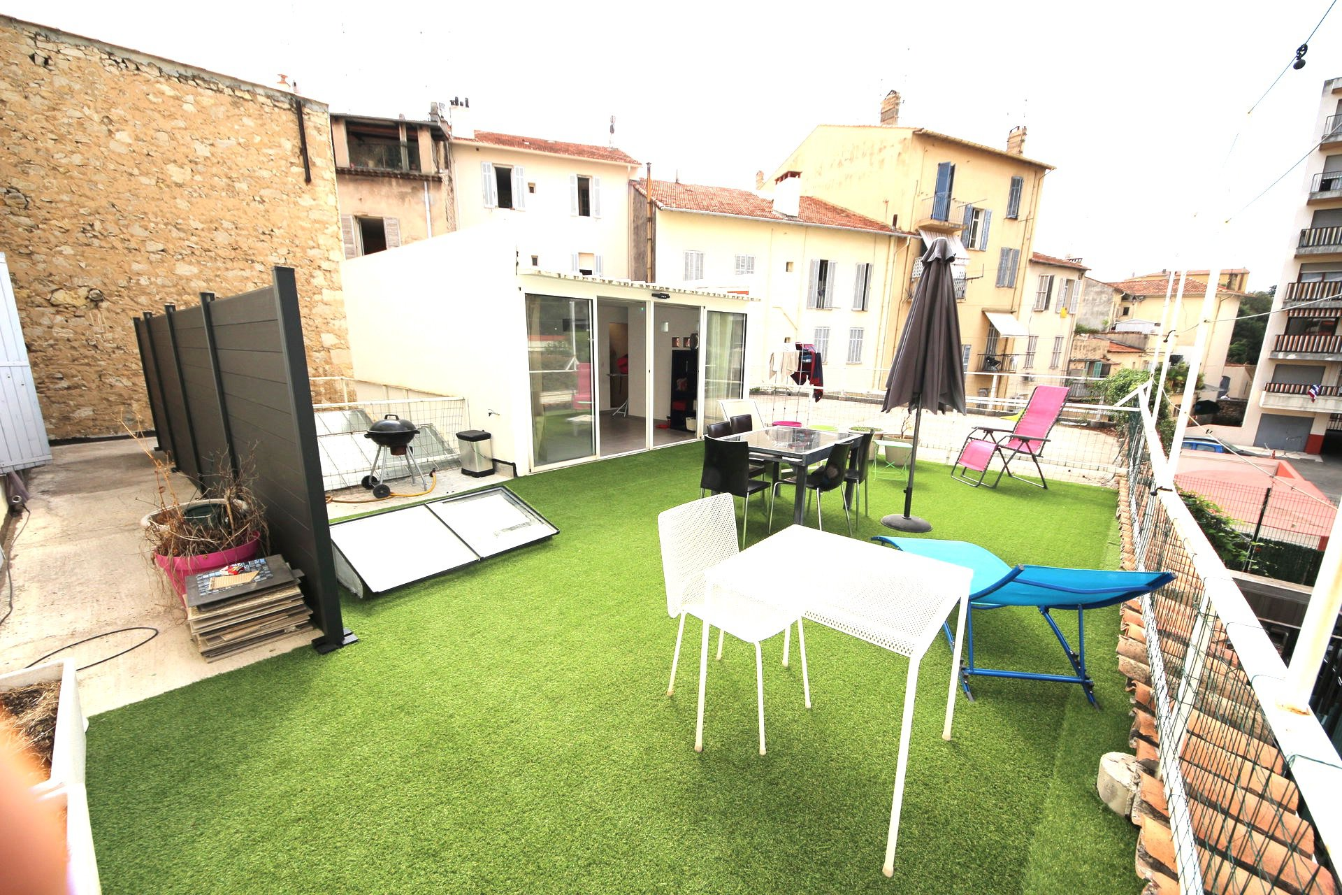 Cannes Downtown Charming 4 bedroom House with terrace of 80sqm