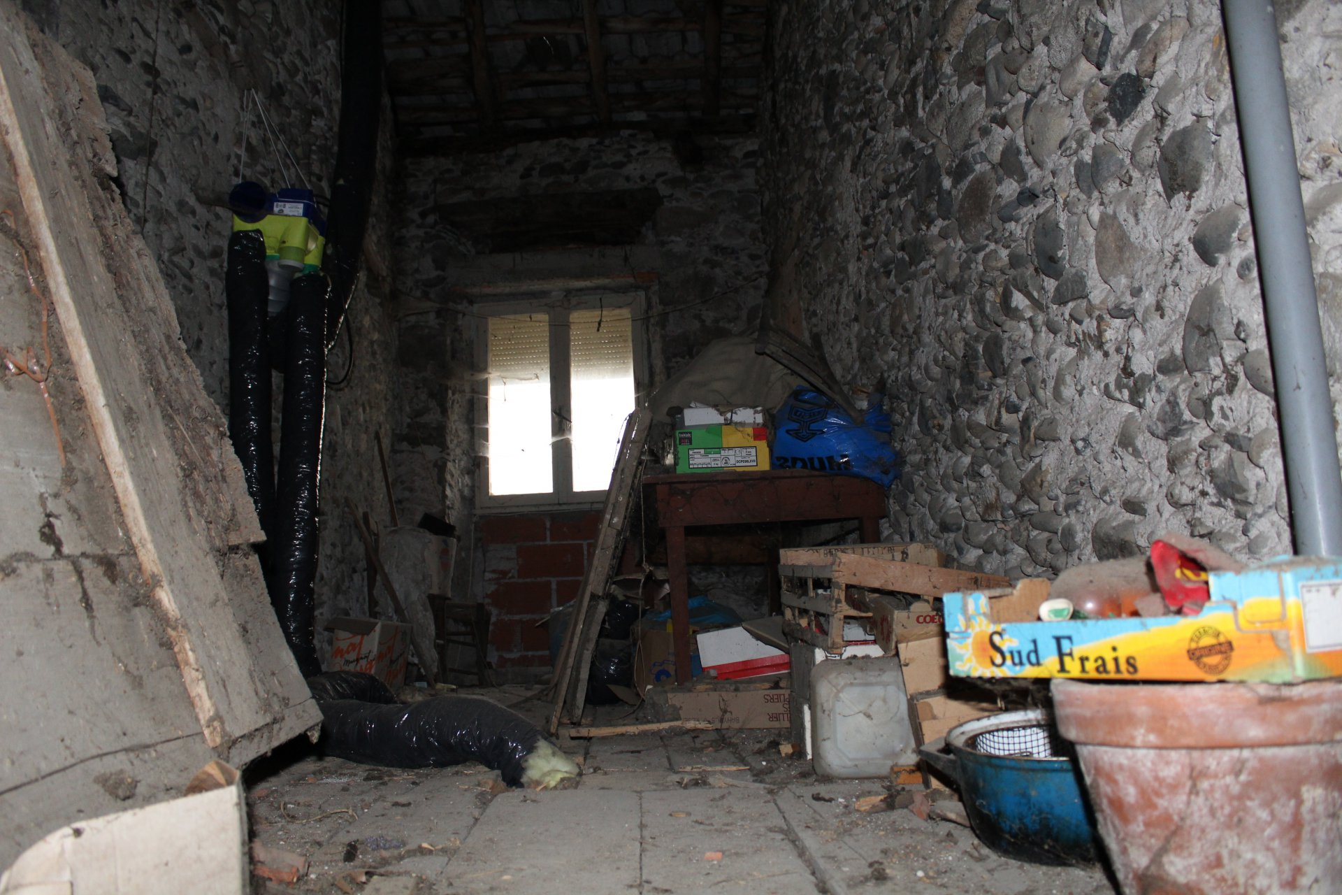 Village house to renovate with barn and garden not attached