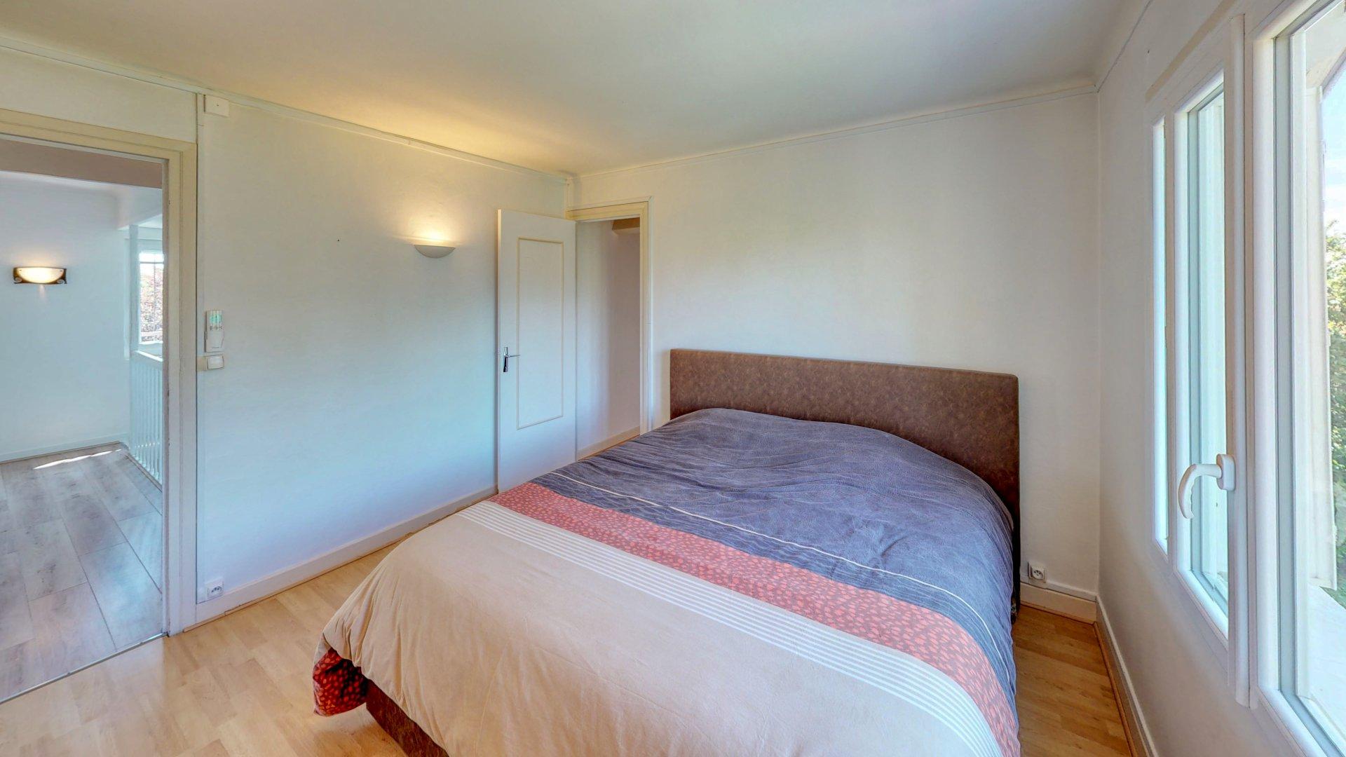 Maison 7 pièces - 5 chambres - 180m2 hab