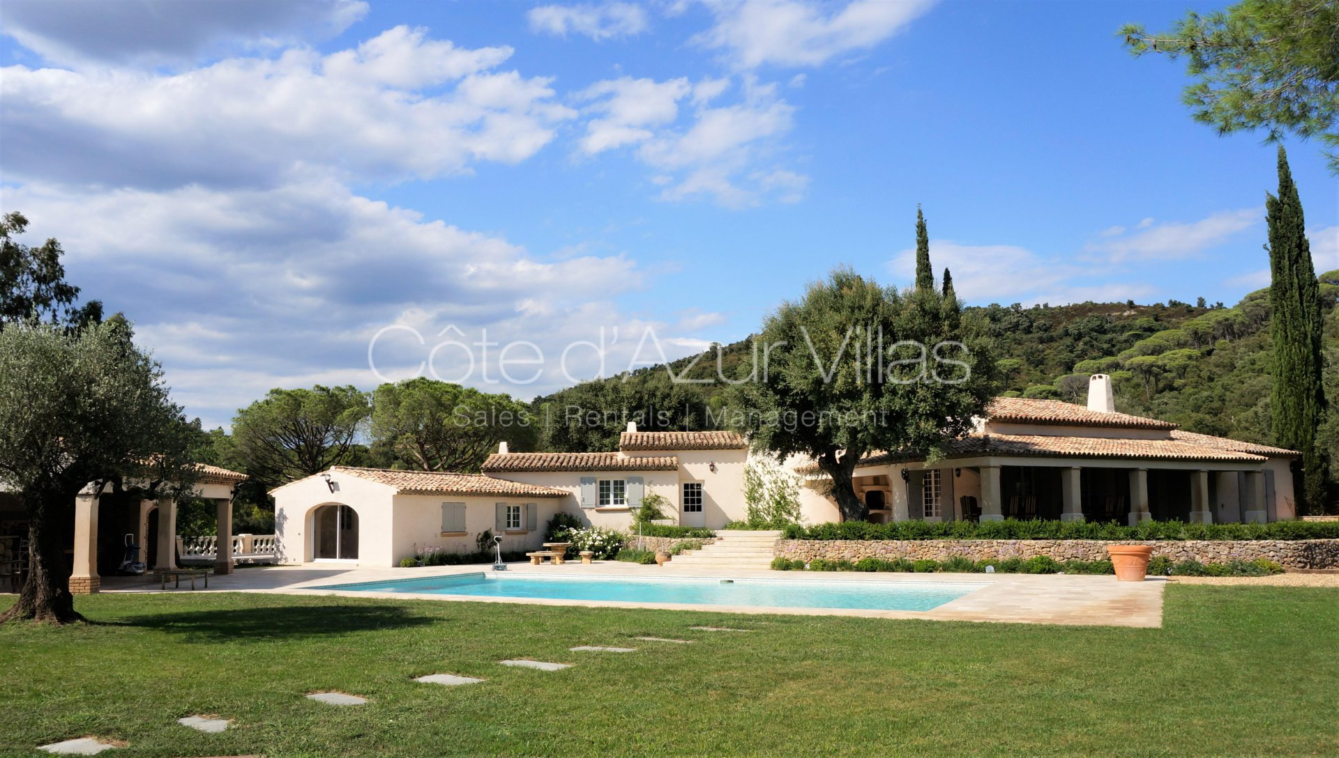 Ste Maxime - Property on a large estate