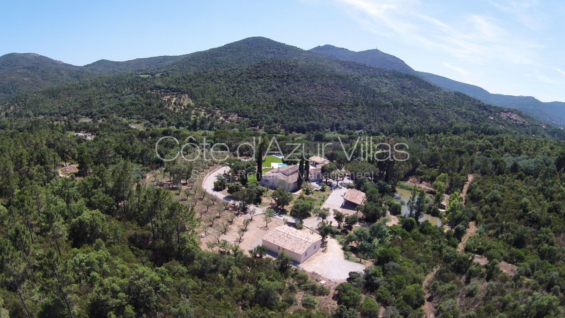 Ste Maxime - Property on 10  with Helipad