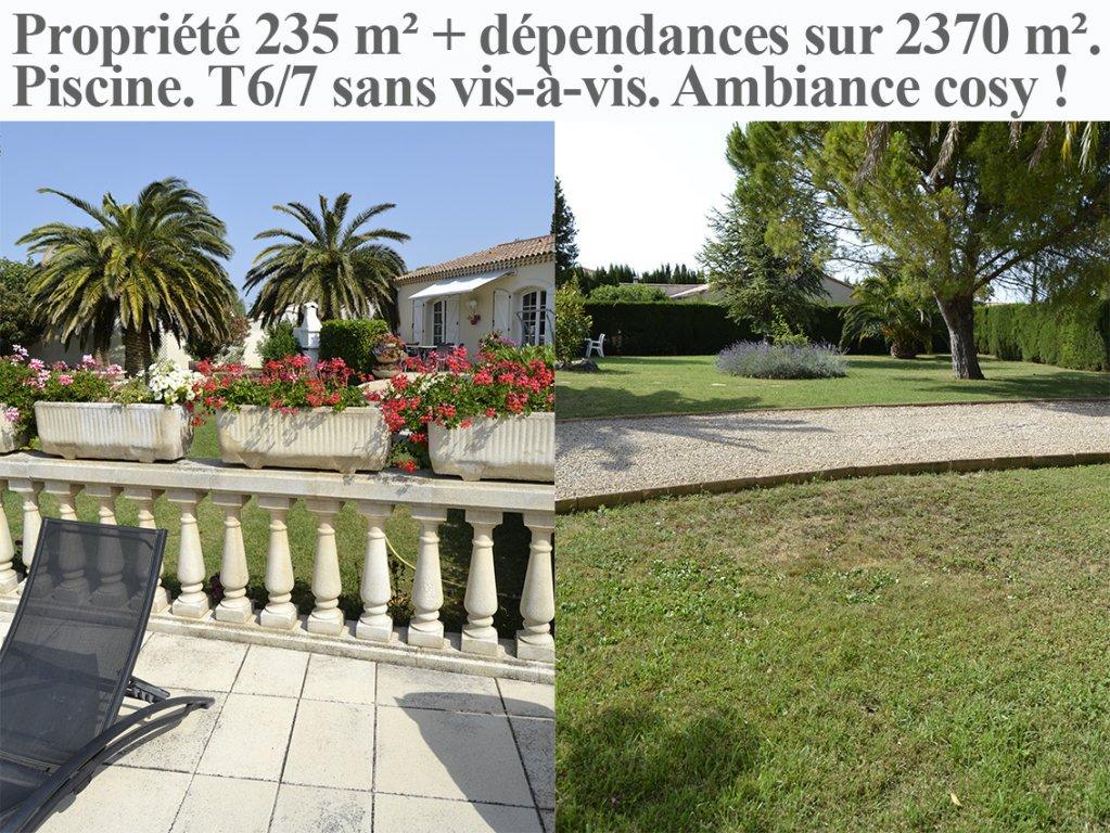 Propriété plain-pied T6/7, 235 m², piscine, sur 2370 m² arborés